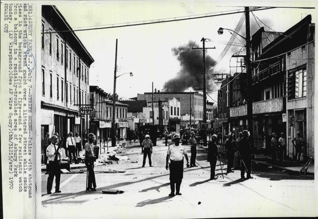 1970 Racial riots in Asbury Park, NJ Press Photo