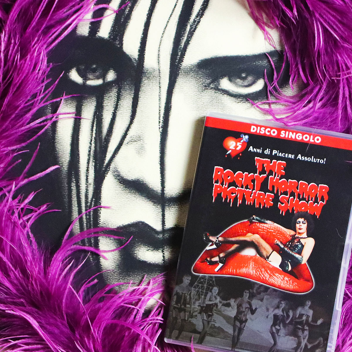 The rocky horror picture show dvd e ritratto a carboncino di Brian Molko