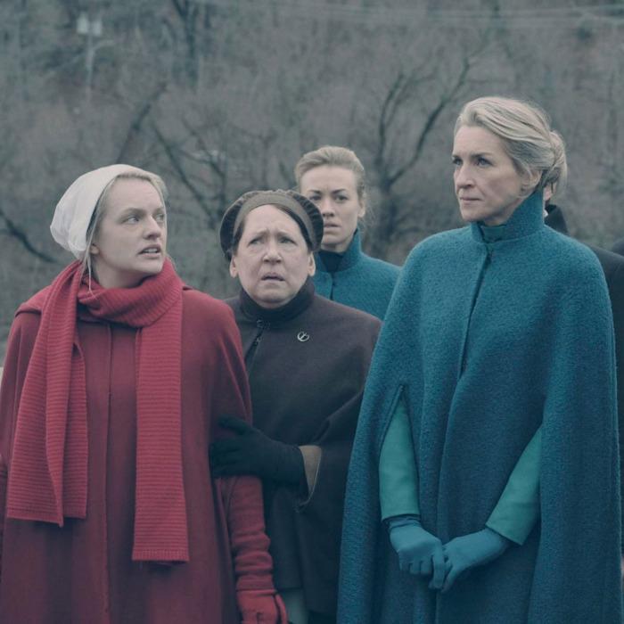 Offred, zia Lydia e le mogli
