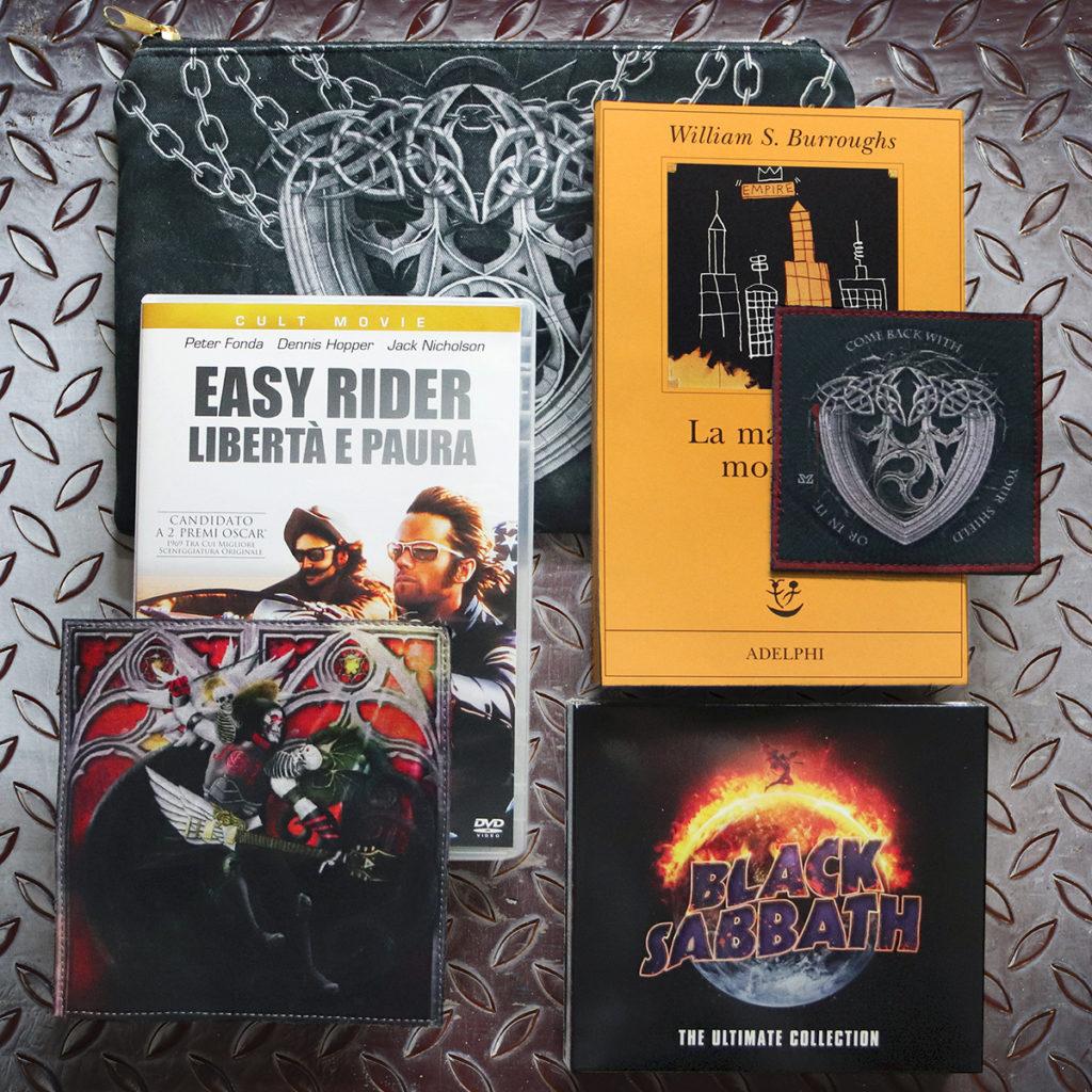 Easy Rider film, Black Sabbath Greatest Hits, La macchina Umana di William Borroughs e toppe e clutch di Zoa Sudio