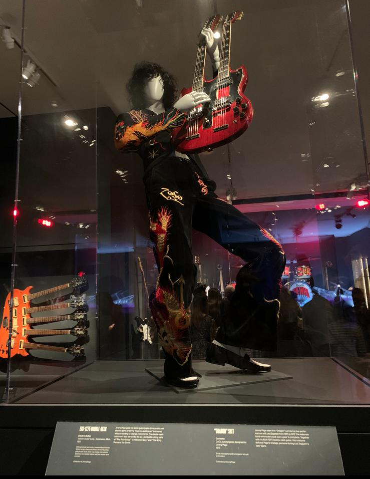Outfit di Jimmy Page in mostra a MET di New York